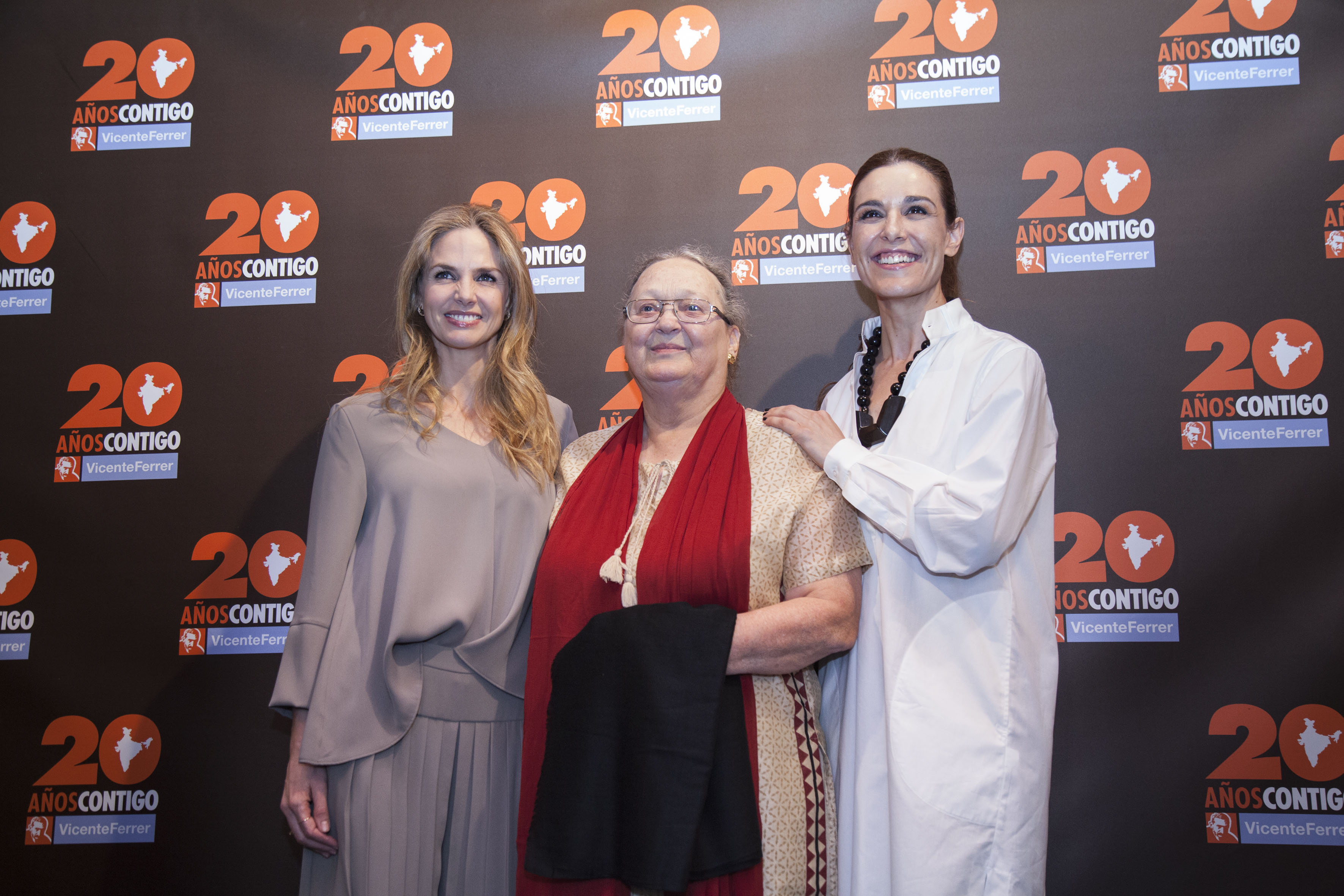 Fundacion Vicente Ferrer-Raquel Sanchez Silva, Ana Ferrer, Genoveva Casanova