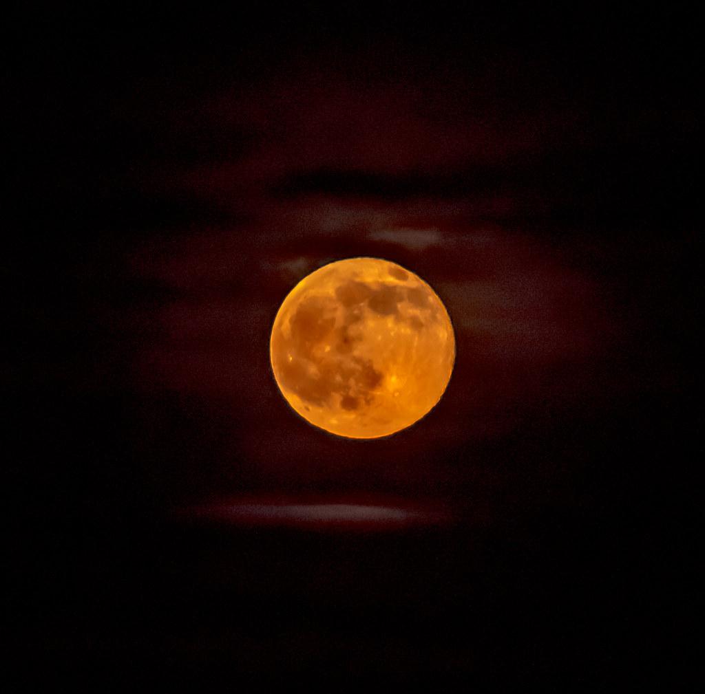 Last Night S Strawberry Moon Full Moon On The Summer Solst Flickr