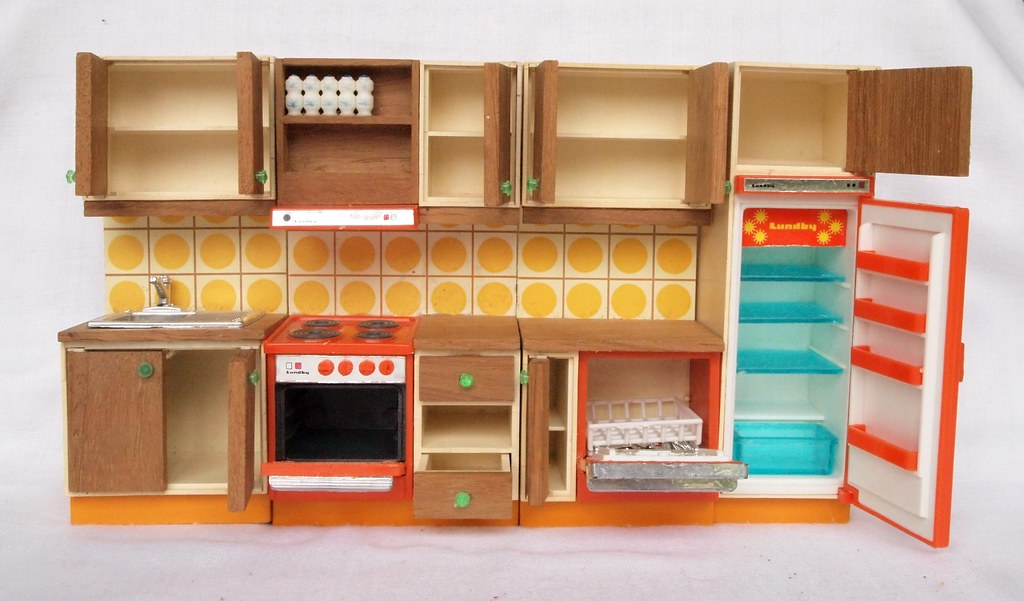1974 lundby orange braune k che offen. Black Bedroom Furniture Sets. Home Design Ideas