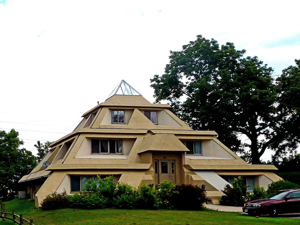 Pyramid House In Clear Lake Iowa Ken Ratcliff Flickr