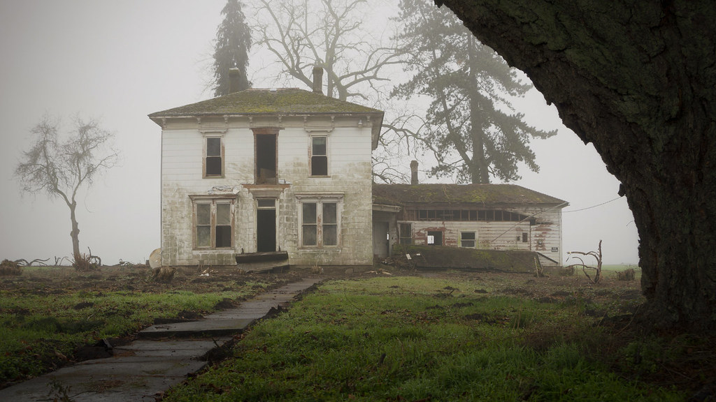 Abandoned house oregon thomas shahan flickr for Building a home in oregon