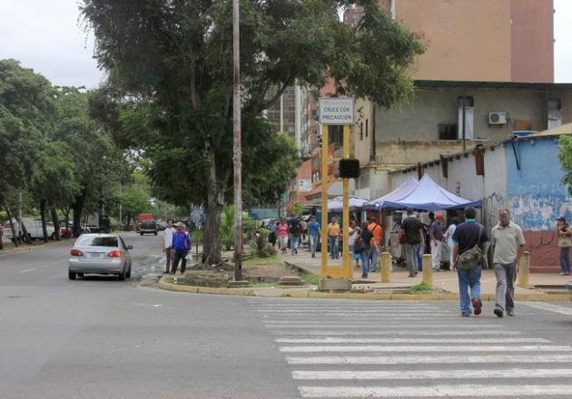 C.C. Zulia, C.C Ciudad Alta Vista I y II, al igual que la carrera Nekuima y Cuchivero, son cuevas para ladrones