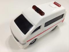 ハッピーセットのトミカ 救急車