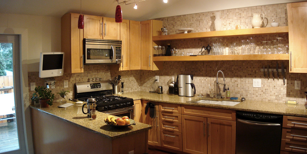 Kitchen Countertops With Off White Cabinets