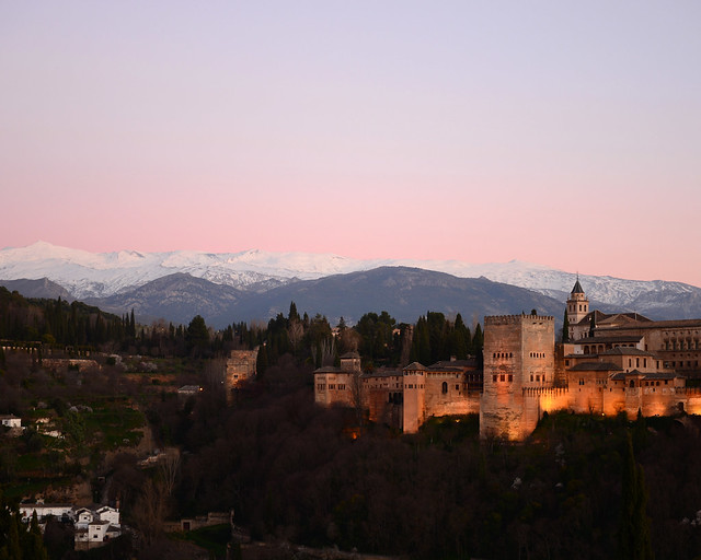 Alhambra de Granada al atardecer