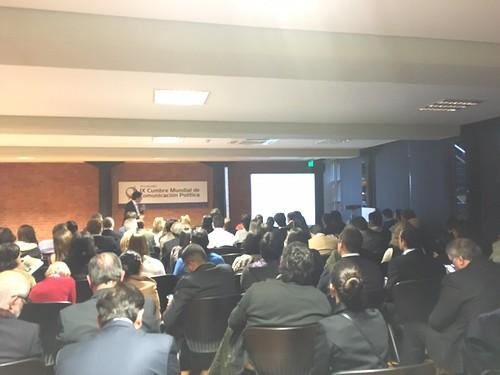 conferencia de Juan Jose larrea