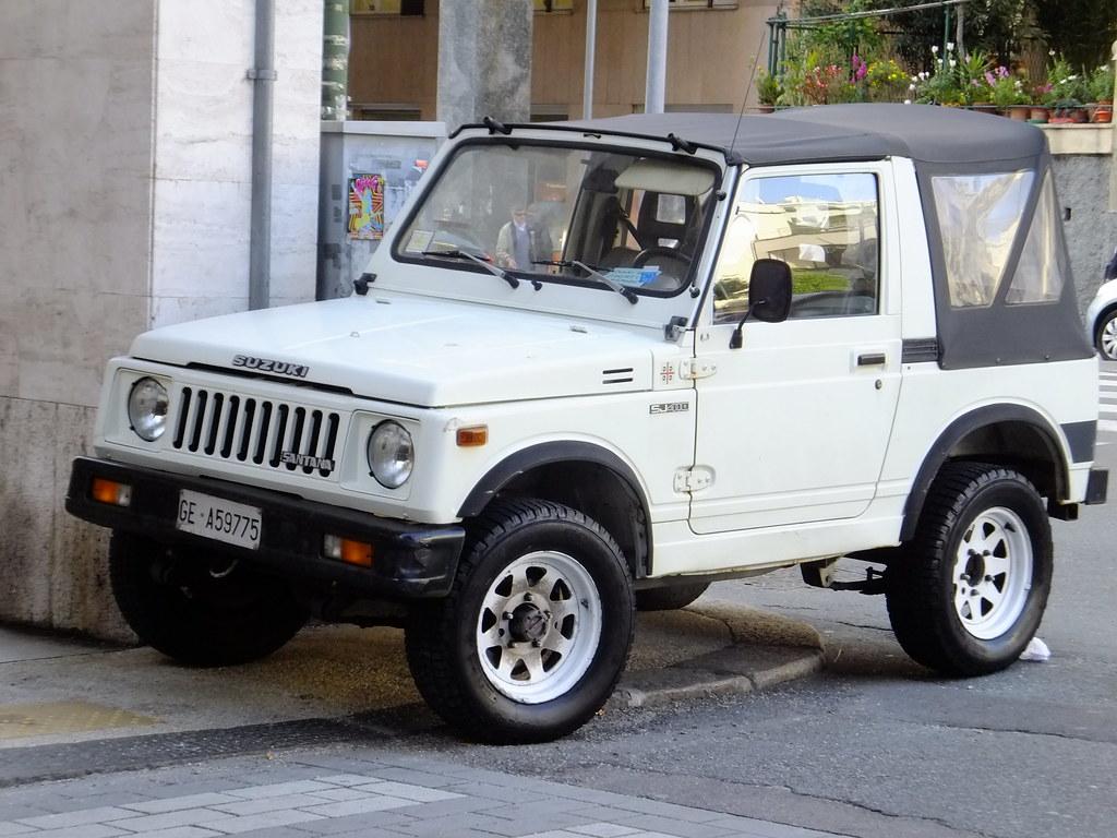 White  Suzuki Jimny Samurai