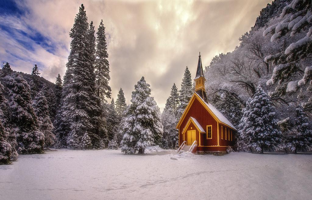 Церковь зима фото