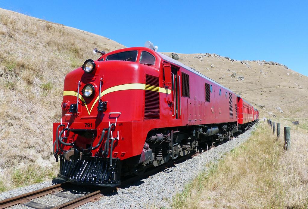 Dg class Diesel-Electric locomotives
