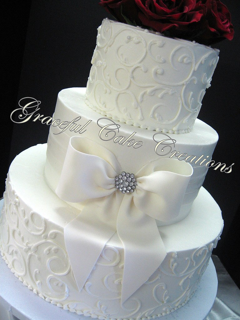 Vuttercream Wedding Cake
