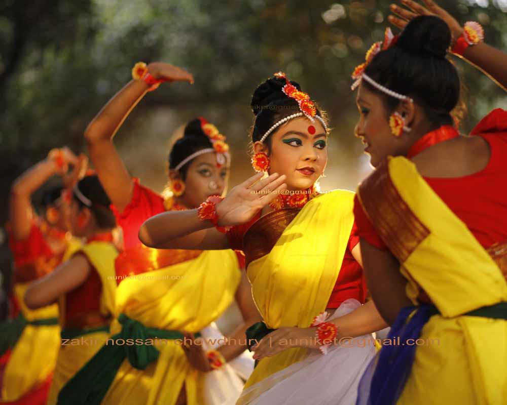 essay on festivals of bangladesh Festivals and celebrations are an integral part of the culture of bangladesh muslim festivals of eid ul-fitr, eid ul-adha, milad un nabi, muharram, chand raat, shab-e-baraat,.