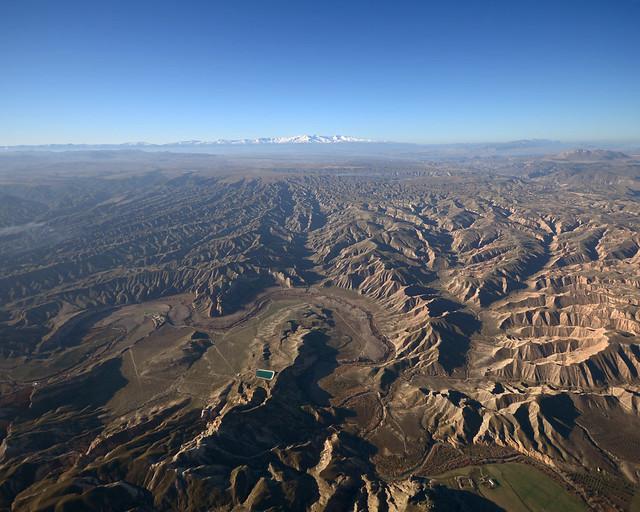 Imagen de Sierra Nevada desde un globo, de las mejores cosas que hacer en Granada