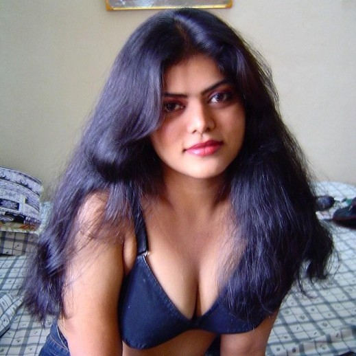 Hot little tamil auntyes nude photos fameuse