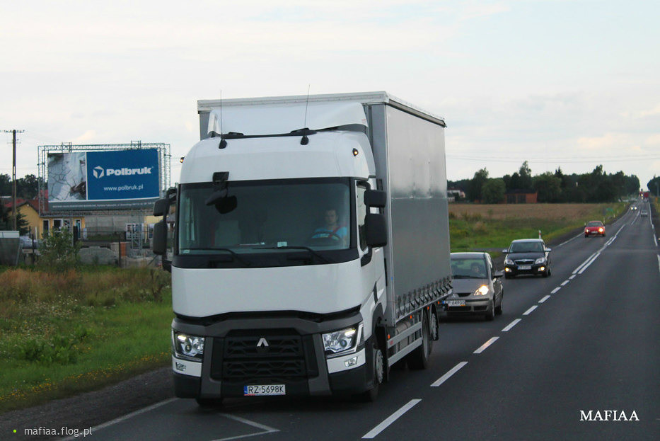 Renault range t pl dk 91 mafiaa trucks flickr for Renault range t interieur