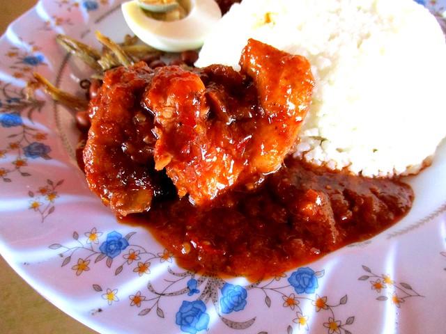 Lontong Cafe ayam masak merah 1