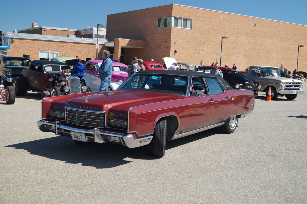 1972 Lincoln Continental Town Car Cruise Night Video On