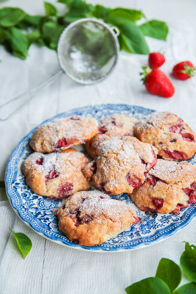 Scones aux fraises et lait de coco {sans lait}
