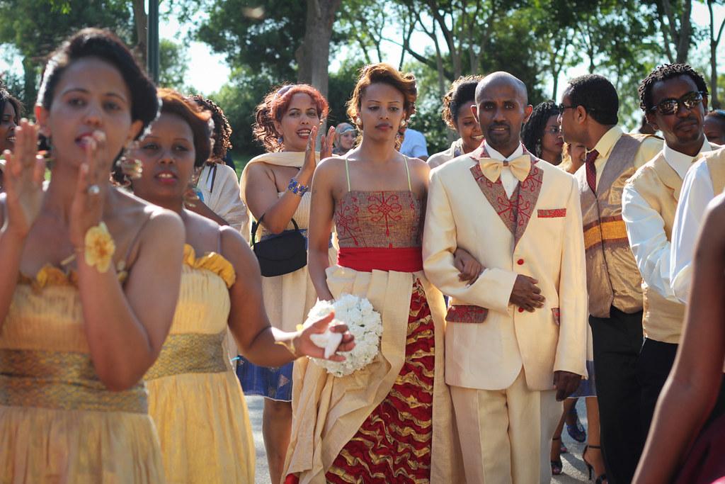 Banana kamel wedding