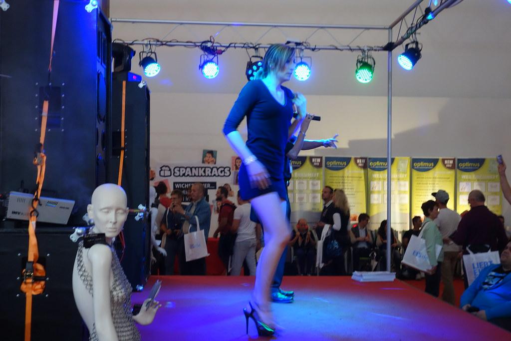 Live Stripshow in Berlin - pornos-streamcom