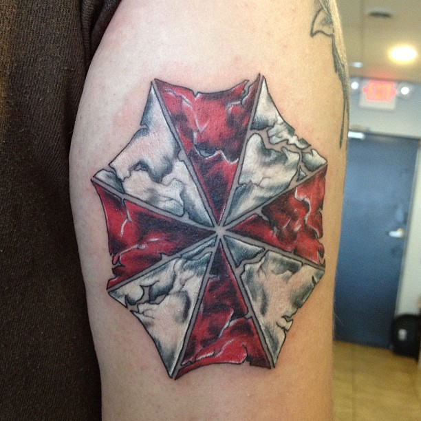Resident evil umbrella tattoo on Kelleigh today! | Tattoo ...