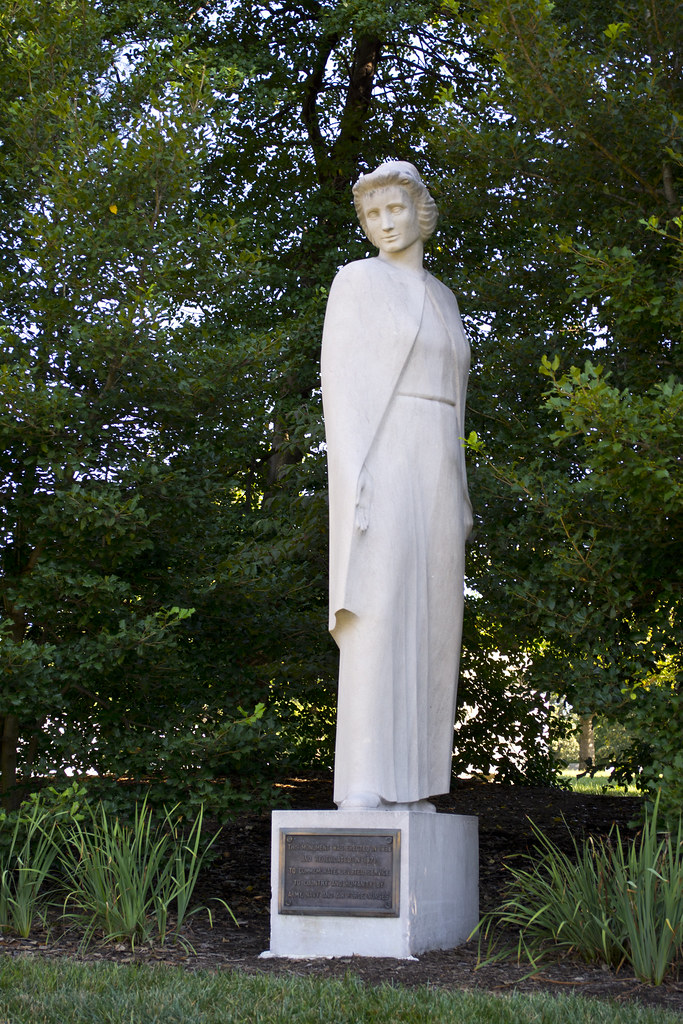 Looking Nw Full Nurses Memorial Arlington National C