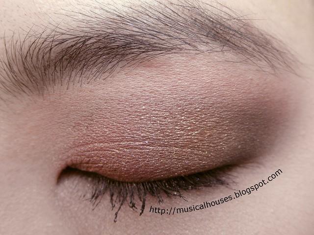 Pink Gold Brown Eyeshadow Eye Look 1