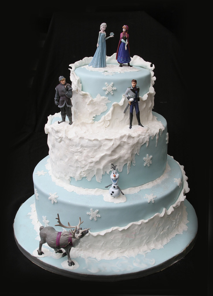 Cake Decorating Qatar : Frozen Birthday Cake My oldest chose to have a Frozen ...