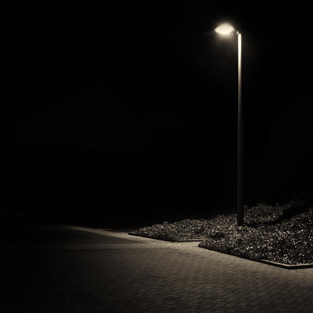 Mono Street Light Nikon D3100 35mm F 1 8 F 14 30sec