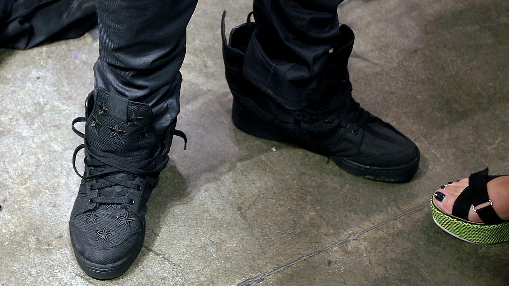 adidas js wings 2.0 black flag