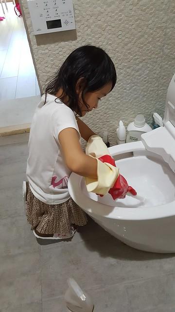 「小露清潔馬桶」的圖片搜尋結果
