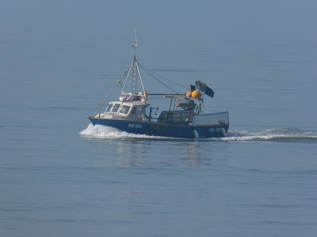 Under way fishing boats around saltdean beach les for Chatfield fishing report