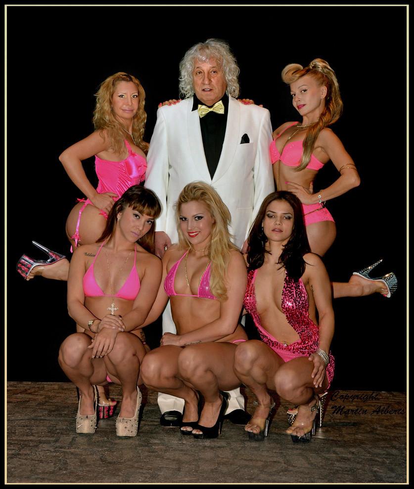 kutjes show massage erotic amsterdam