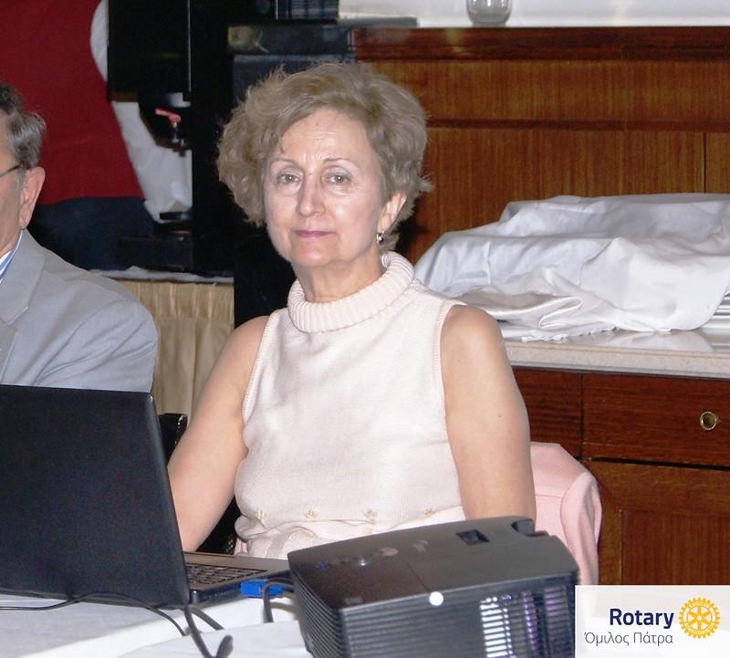 Η κ. Γεωργία Βόμβα στην παρουσίαση του εικονογραφικού υλικού