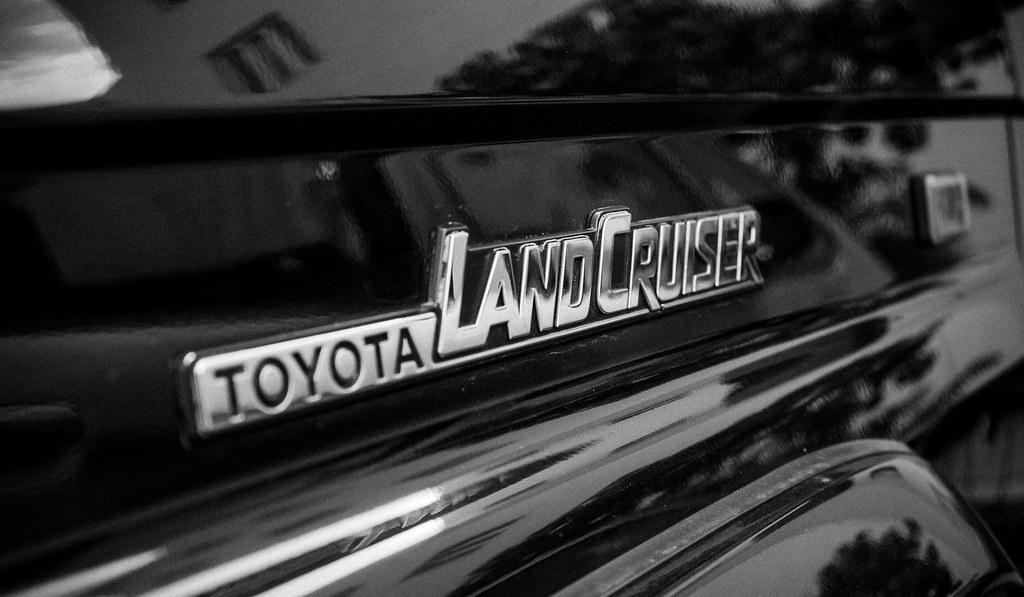land cruiser emblem toyota land cruiser kzj 70 land. Black Bedroom Furniture Sets. Home Design Ideas