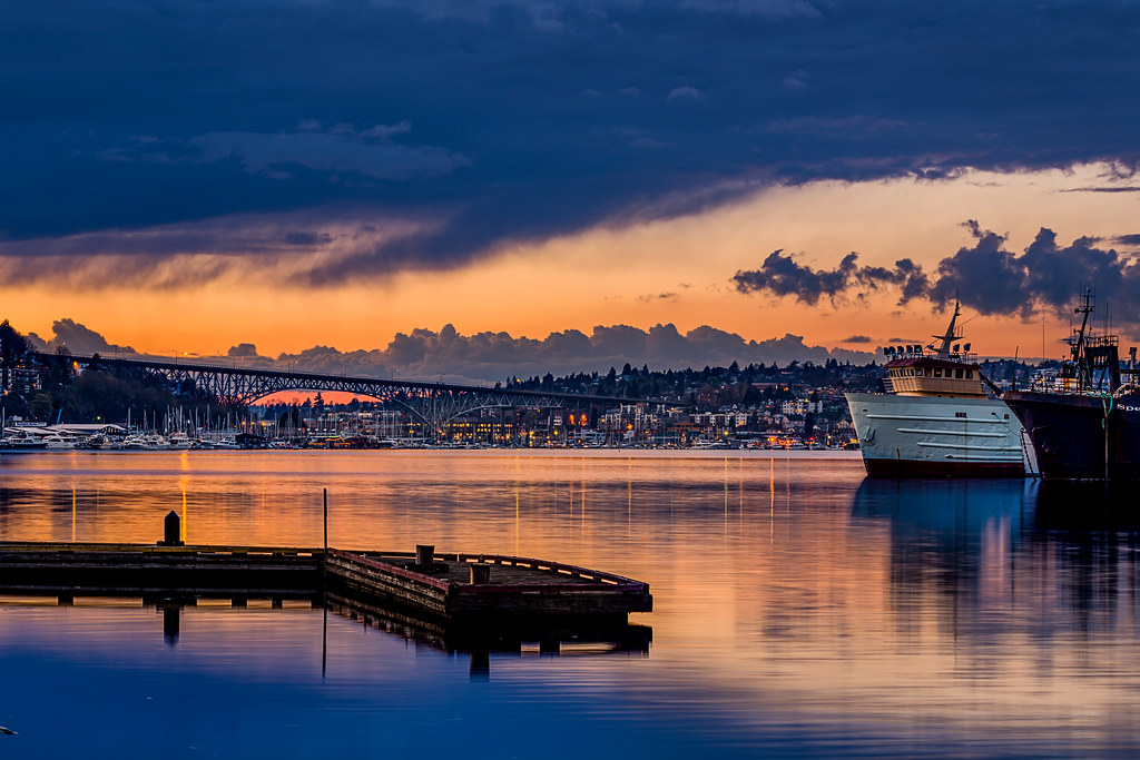 lake union sunset