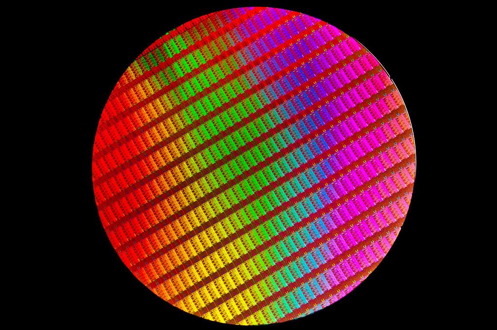 4th Generation Intel 174 Core Processor Wafer Black Intel