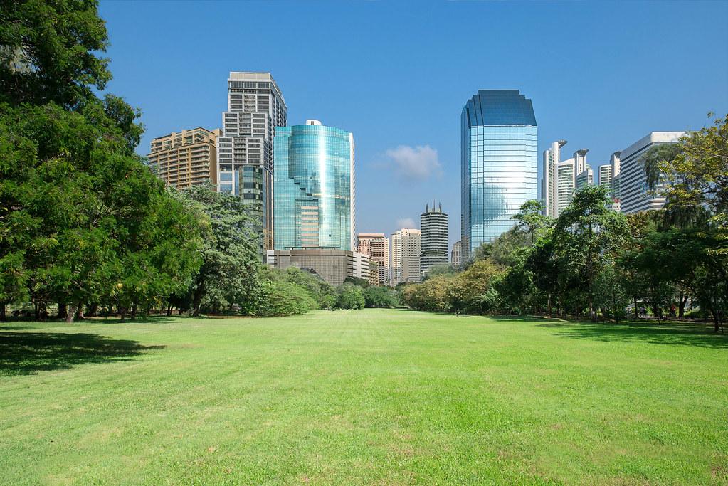 城市公园_city park with modern building background   city park with m…   Flickr