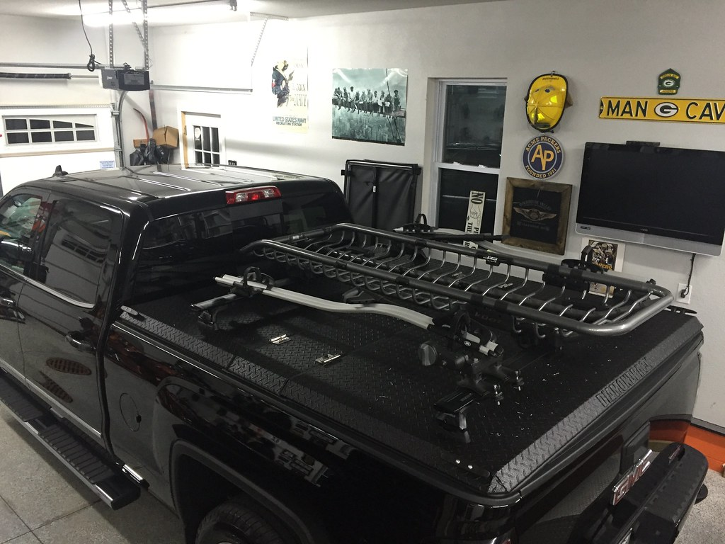 Truck Bed Cover For  Chevy Silverado