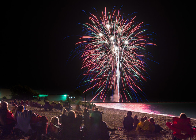 Fireworks, Spectators, Kewaunee, WI, July 4th, 4th of July, Beach