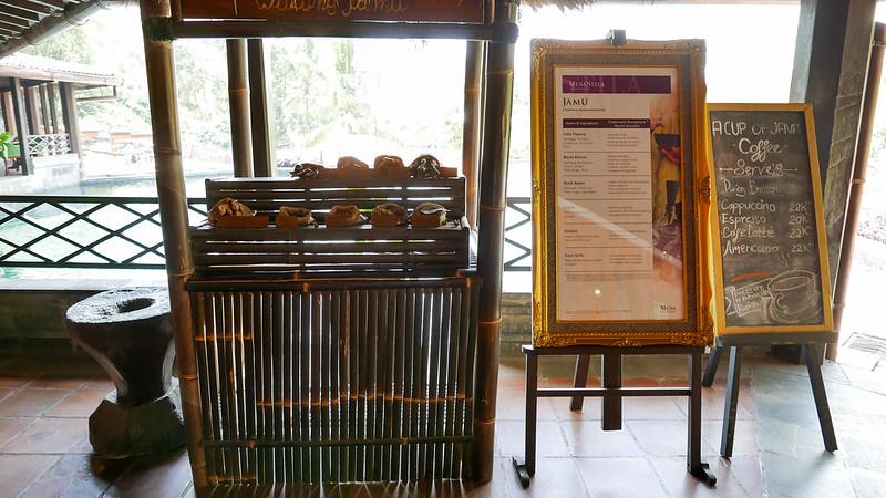 28104263345 fcf2375301 c - REVIEW - Mesastila Resort, Central Java (Arum Villa)