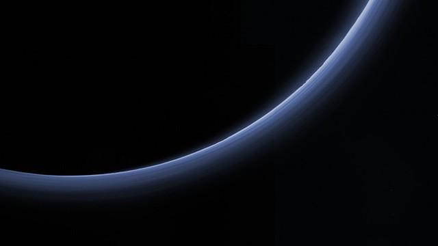 www.space.com - a Pluto légköre - Csizmadia Szilárd