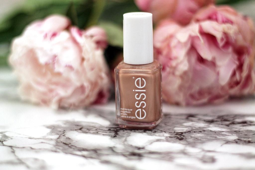 beauty-beautyblog-monatsfavoriten-juni-bareminerals-benefit-primer4