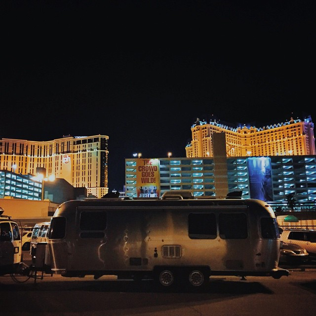 Tonight we were reunited with our dear friends @worksology and @jessaworks as they flew into Sin City to attend a conference for the next few days. If you didn't already know, the alley behind Bally's and Paris Las Vegas allows RVs to stay overnight at a