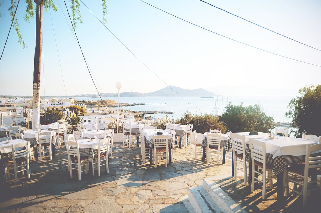 Dinner with a view at Naxos, Greece | via It's Travel O'Clock