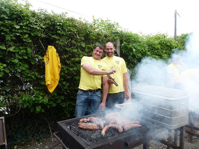 Bénévoles (buvettes, grillades, ..)