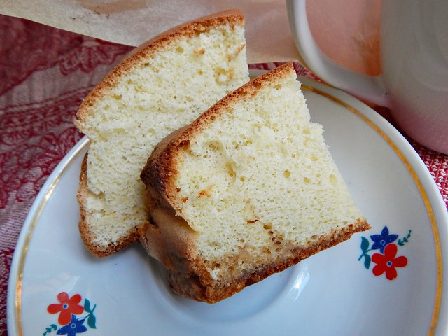 Бисквит с каплями мёда, фоторецепт с пошаговыми фотографиями. Очень вкусно! | horoshogromko.ru