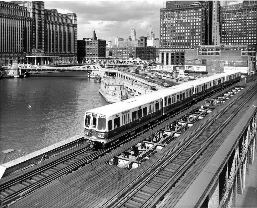 Cta 2000 Series Air Conditioned Cars On Lake St Bridge