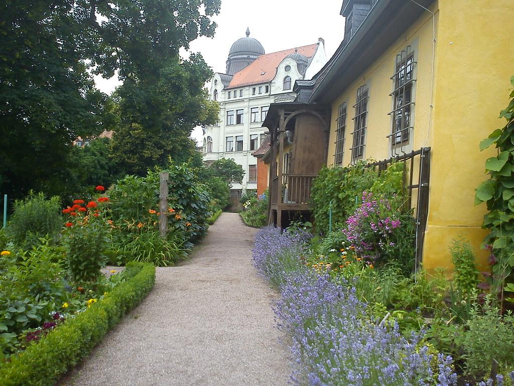 goethe wohnhaus garten gelb anstrich kulturerbe weimar kla flickr - Kies Garten Gelb