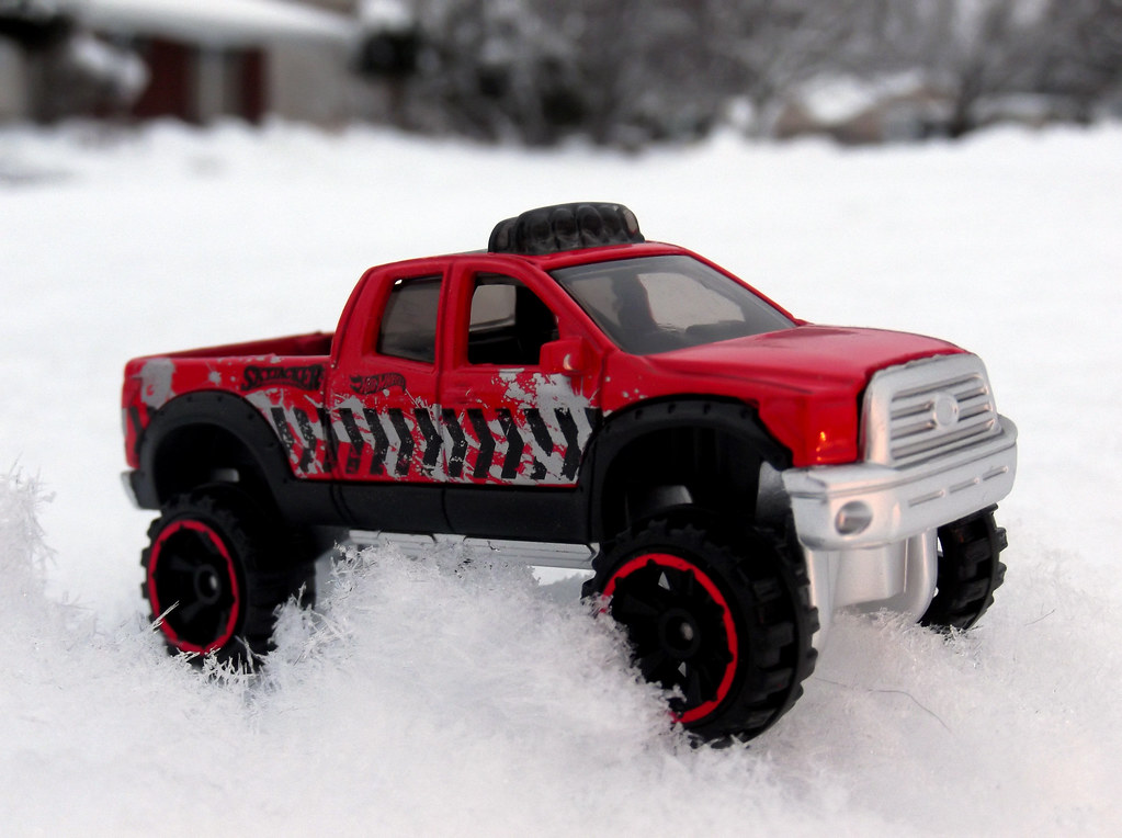 hot wheels cars in the snow 2010 toyota tundra truck. Black Bedroom Furniture Sets. Home Design Ideas