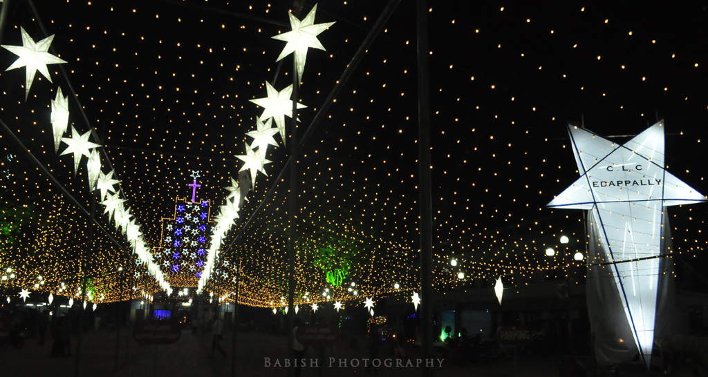 Christmas decorations at edappally church kochi babish for Decoration pictures